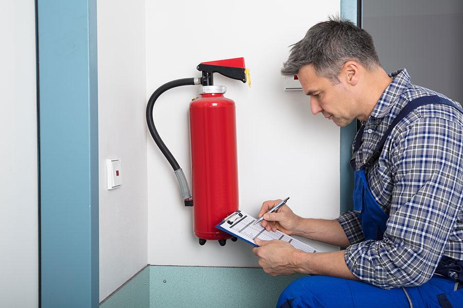 systemy przeciwpożarowe w magazynie
